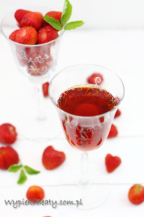 wino z truskawek