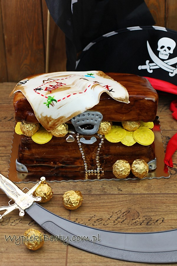 treasure chest cake tort piracka skrzynia skarbów