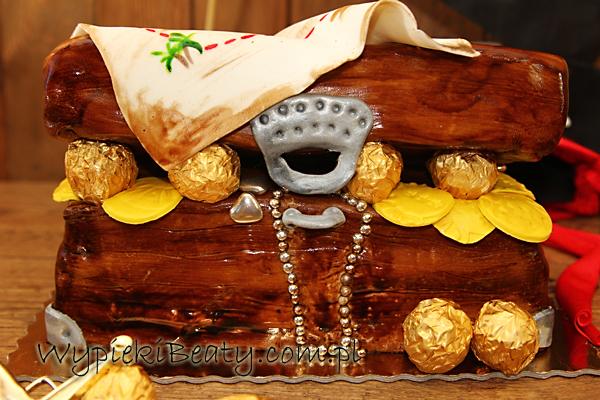 tort piracka skrzynia skarbów