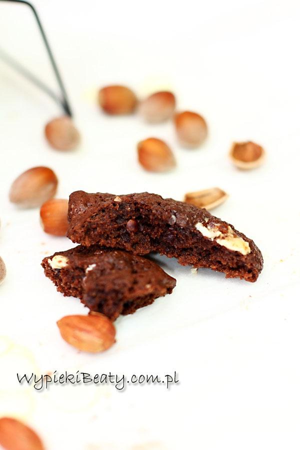 z białą czekoladą i orzechami1