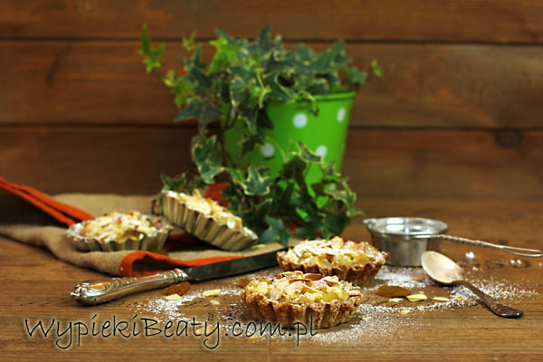 tarteletki z gruszkami i sezamem1