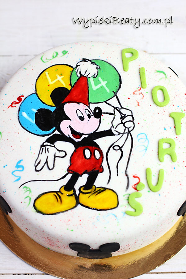 Mickey the mouse cake