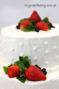 tort weselny kremowy