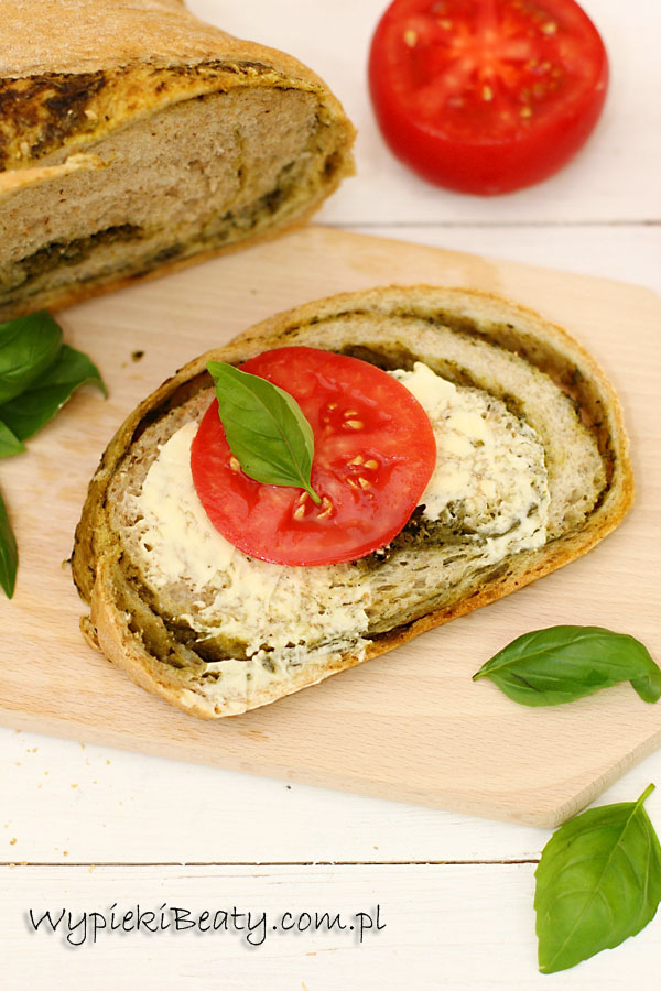 chleb bazyliowy1