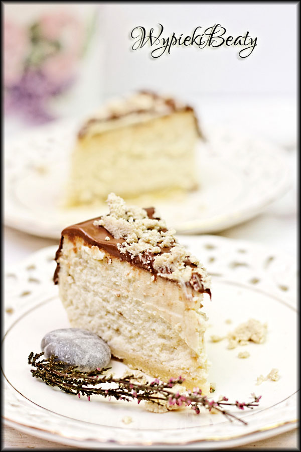 sernik chałwowy z czekoladą