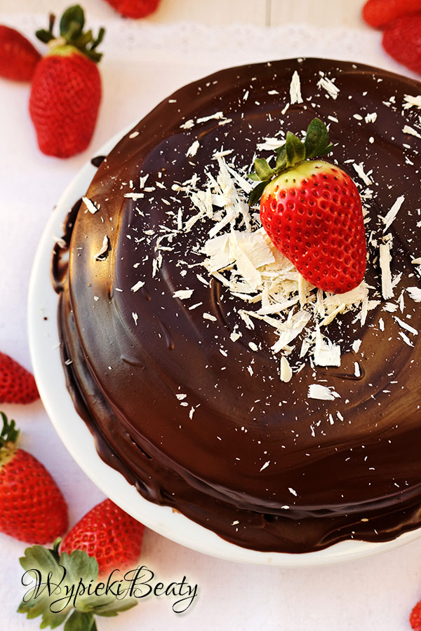 devil's food cake_foodki