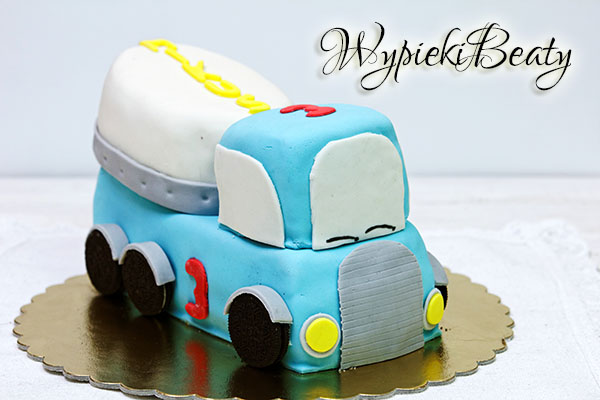 urodzinowy tort betoniarka