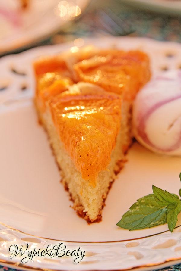 odwrócone ciasto z morelami_7