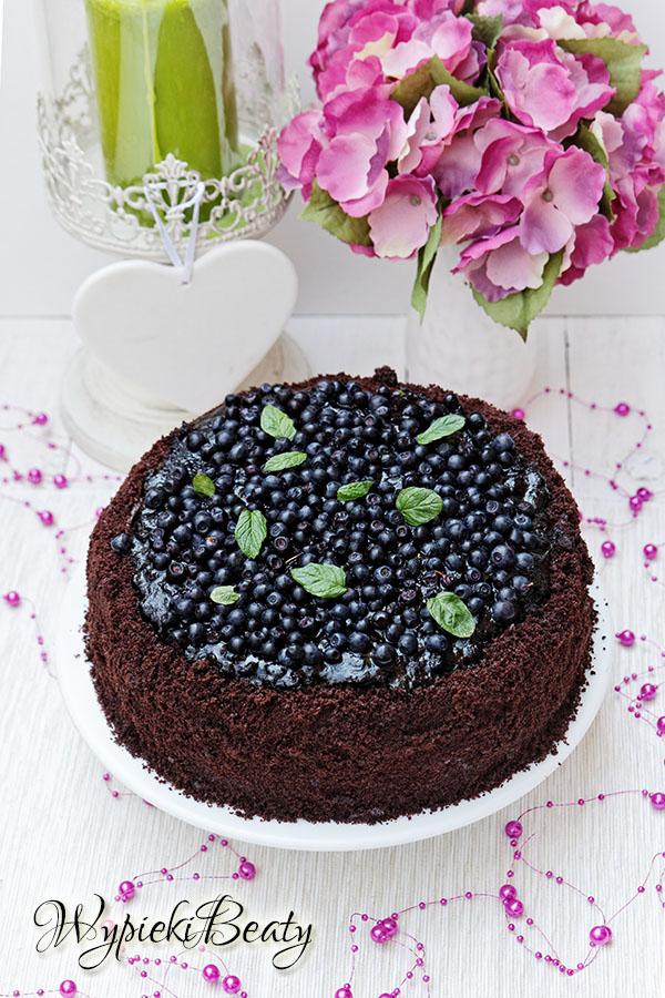 tort czekoladowo-jagodowy