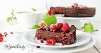 tarta czekoladowa z malinami_facebook