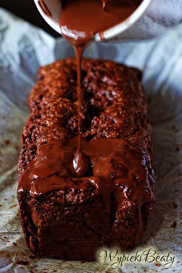 mega czekoladowe ciasto z gruszkami