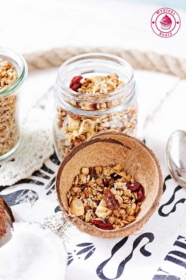 homemade fruit granola