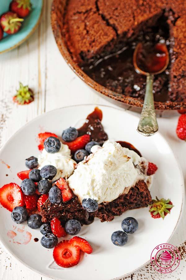 ciasto czekoladowe z sosem 8