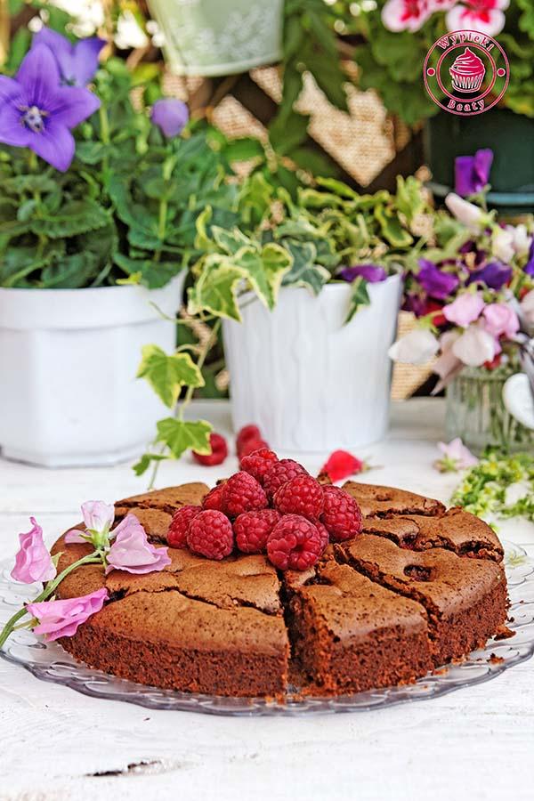 czekoladowe ciasto z malinami 1