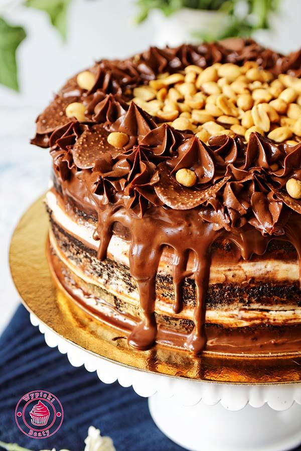 tort czekoladowy z orzechami ziemnymi 5