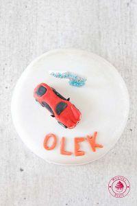 tort samochodzik