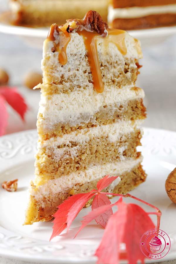 tort z kremem i karmelem