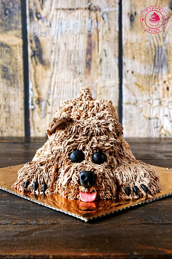 tort w kształcie psa