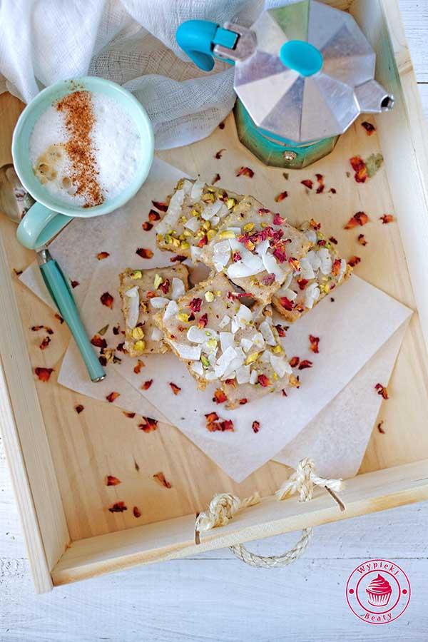 ciasto kokosowe z cynamonem