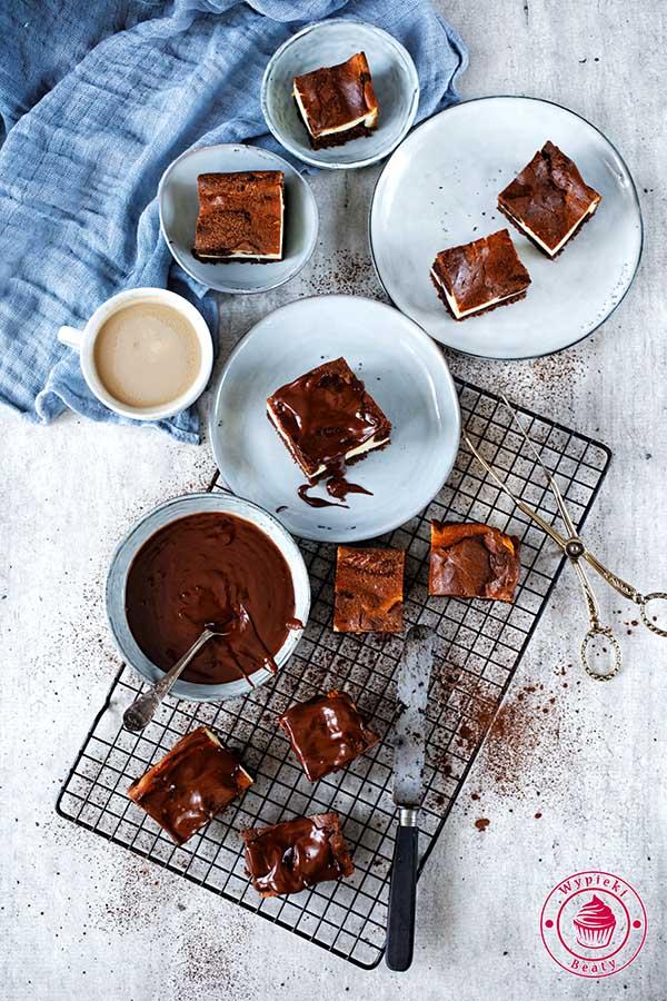 sernik na cieście czekoladowym