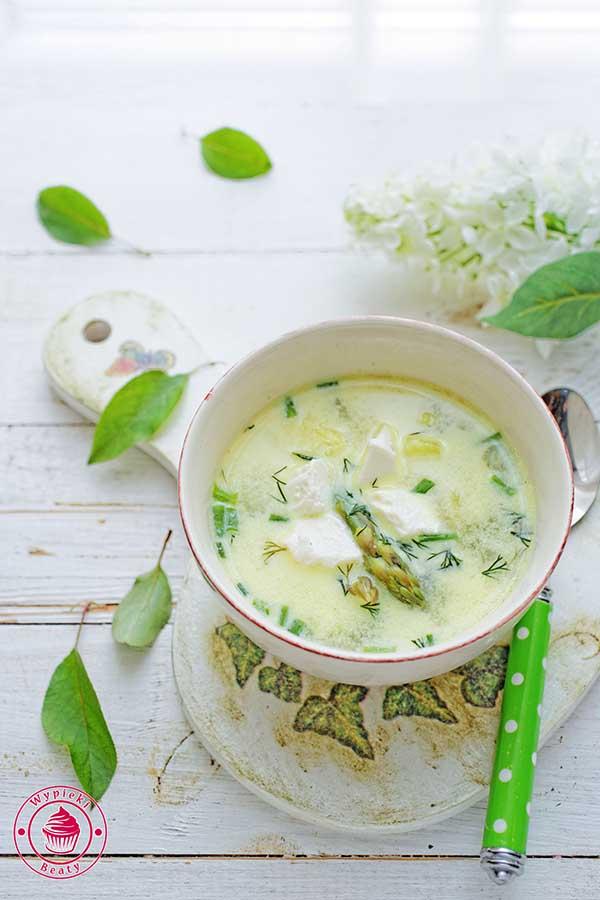 zupa szparagowa z fetą