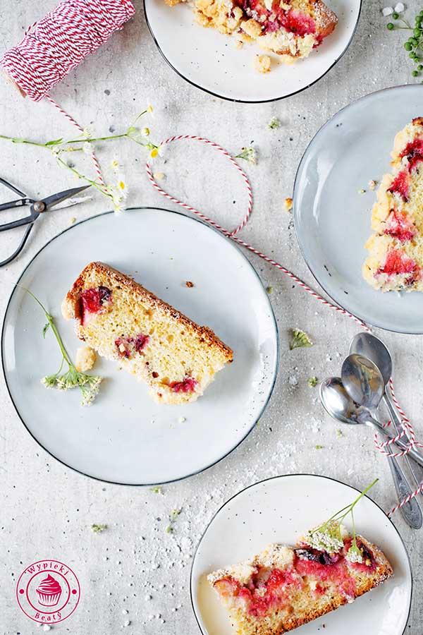 lekkie ciasto ze śliwkami