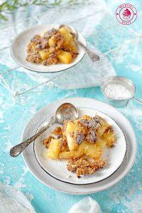 zapiekany ananas z ciastem kokosowym