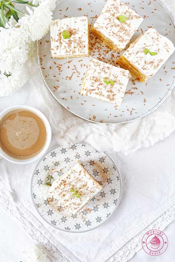 ciasto przekładane karmelowe