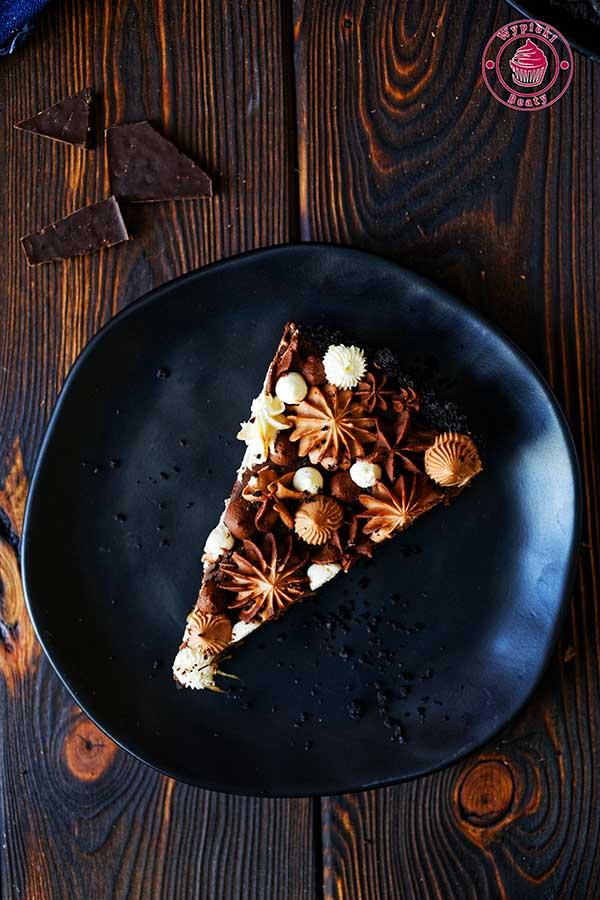 pyszna tarta czekoladowa bez pieczenia