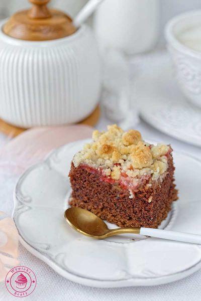 czekoladowe ciasto z rabarbarem