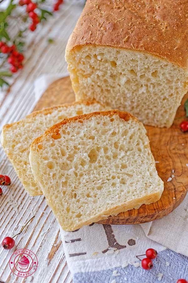 chleb z wiórkami kokosowymi