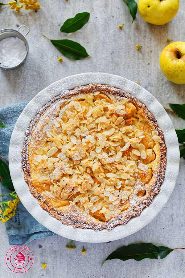 krucha tarta z jabłkami i kremem