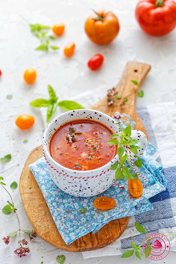 zupa krem toskańska z pomidorów i papryki