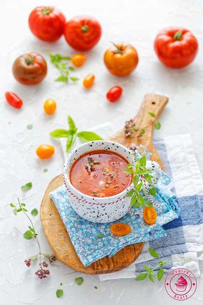 zupa z pieczonych pomidorów i papryki