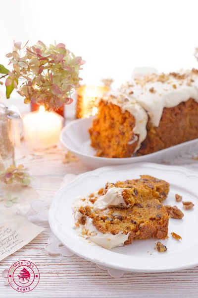 ciasto z marchewką i orzechami
