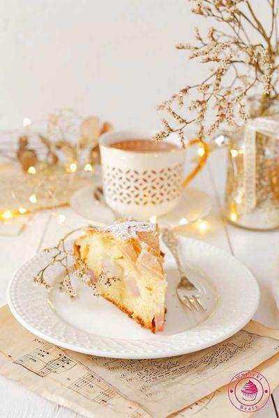 proste puszyste ciasto z gruszkami