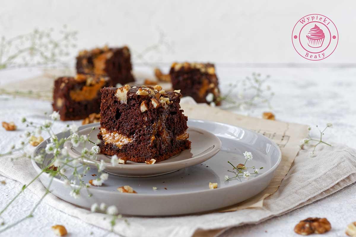 czekoladowe ciasto z kajmakiem