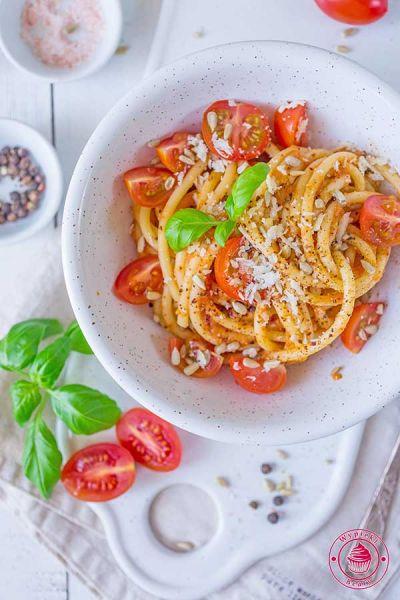 fit spaghetti z cukinią i pomidorami