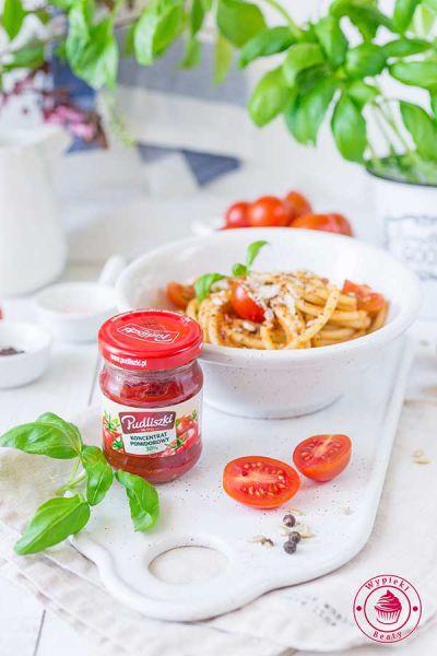 spaghetti cukiniowo-pomidorowe
