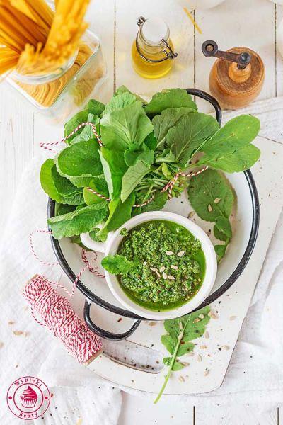 pesto do makaronu z liści rzodkiewki