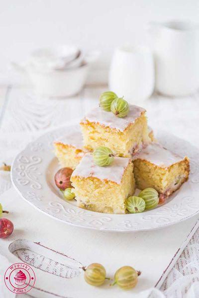 waniliowe ciasto z agrestem