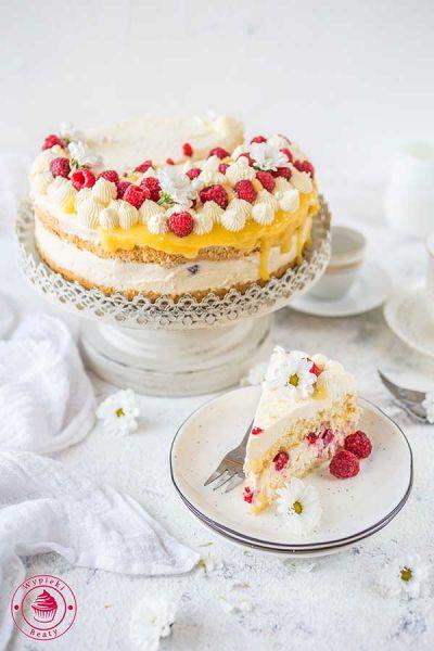 tort z lemon curd i malinami