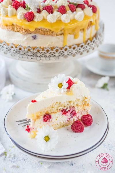 tort cytrynowy z malinami