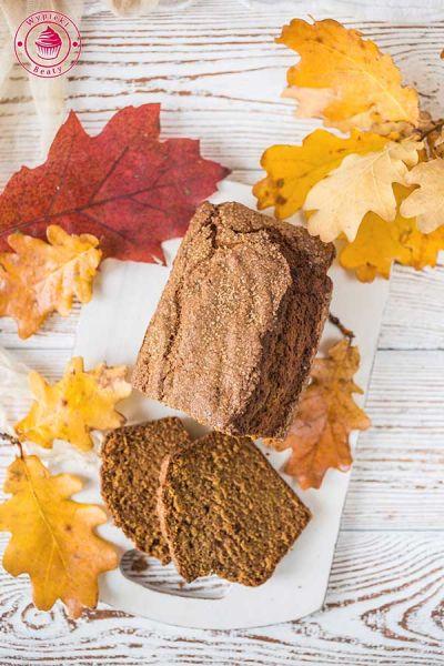 korzenny chlebek dyniowy