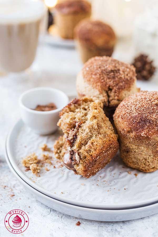 cynamonowe muffinki z kremem czekoladowym