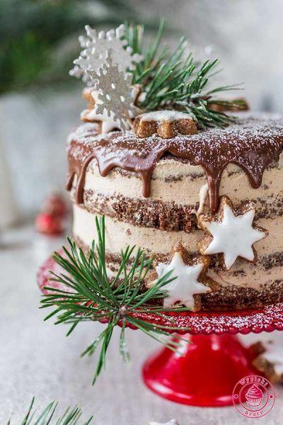 tort cynamonowo-czekoladowy ze śliwkami