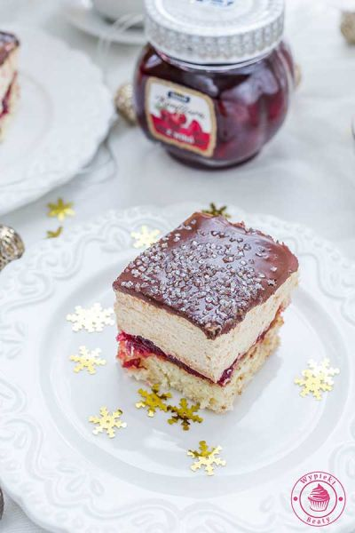 karmelowe ciasto z wiśniami