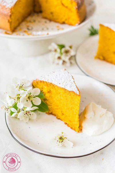 proste ciasto marchewkowe
