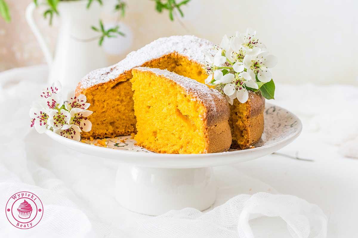 brazylijskie ciasto marchewkowe