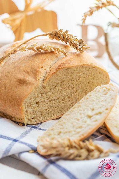 szybki chleb pszenny na drożdżach